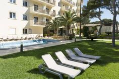 Apartamentos Tres Torres Playa de Palma Just 200 metres from Majorca's Playa de Palma Beach, Apartamentos Tres Torres are set around an outdoor pool and gardens. Each apartment offers a balcony and free Wi-Fi.