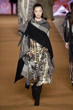 Fashion| Tendenze moda: Blanket dressing | http://www.theglampepper.com/2014/12/26/fashion-tendenze-moda-blanket-dressing/
