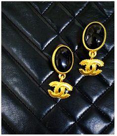 Vintage Chanel black gold tone earrings~lovely~hedyjp.com