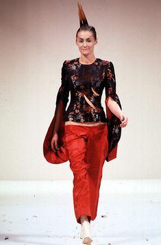 Alexander McQueen - Ready-to-Wear - Runway Collection - Women Spring / Summer 1996