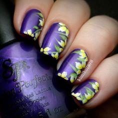 Purple Flower Accent Nails