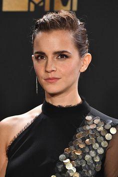 Emma Watson — zehnxdaya: Emma Watson poses in the press room...