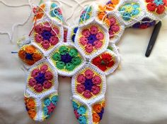 """ El Encanto del Crochet "": abril 2014 Crochet African Flowers, Crochet Flowers, Crochet Squares, Crochet Motif, Crochet Stitches Patterns, Stitch Patterns, Crochet Animals, Crochet Toys, Stuffed Animal Patterns"
