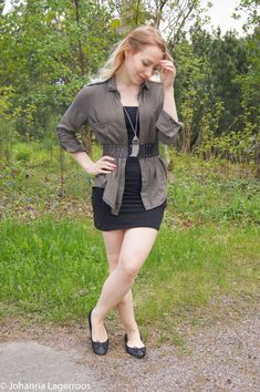 Love flats, feet and pantyhose Pantyhose Outfits, Nylons, Sexy Legs And Heels, Sexy Feet, Fall Outfits, Cute Outfits, Big Legs, Girls In Mini Skirts, Cute Young Girl
