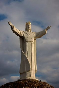 A Polish priest is on the verge of realising his dream of putting up what he says will be the world's largest statue of Jesus Christ in a small town in western Poland. by effie Christ The Redeemer Statue, Christ The King, Religious Images, Religious Art, Spirit Art, Heaven Images, Jesus Painting, In Christ Alone, Historical Art