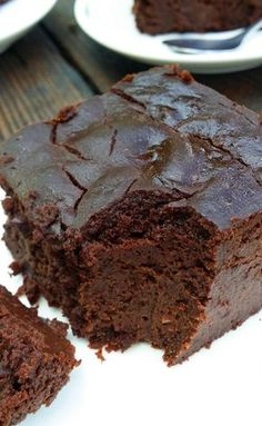 - Brownie z czerwonej fasoli Red bean brownie Healthy Cake, Healthy Dessert Recipes, Healthy Desserts, Raw Food Recipes, Gourmet Recipes, Delicious Desserts, Cooking Recipes, Chocolate Belga, Good Food