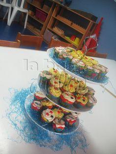 Mickey mouse Minnie Mouse Goofy Donald duck Pluto Disney Playhouse MINI CUPCAKES + Guatemala + Cubiletes Bite size  personalizados decorados con buttercream, impresion comestible y fondant    MASA DE:  Vainilla + Chocolate + zanahoria + oreo + blanco + amapola + arcoiris + Funfetti + Choccochip + Almendra + Pistacho + Moka  + Yogurt + Sweet corn + Choco chile + cafe + Horchata + Cinnamon roll + manzana + Limon + Fresa + Naranja + Piña + Mango + Mora + Coco + melocoton + Banana pie
