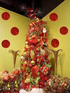 love this packed Christmas tree~