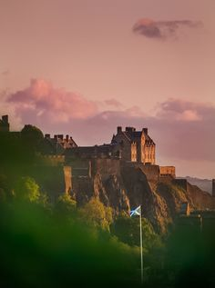 Edinburgh Photography Locations, a destination guide by The Wandering Lens photographer Lisa Michele Burns Edinburgh Photography, Visit Edinburgh, Stone Cottages, Old World Charm, Scotland Travel, Photo Location, British Isles, Monument Valley, Cool Photos