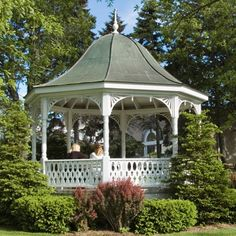 Victorian Gazebo Gazebo Pergola, Garden Gazebo, Gazebo Ideas, Porch Ideas, Victorian Gardens, Victorian Homes, Outdoor Retreat, Outdoor Spaces, Arbour Seat