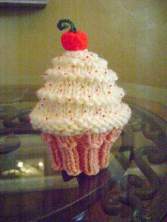 Neeleys Knits: Free Very Vanilla Cupcake Hat Pattern