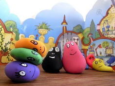 """""""Barbapapas: Balloons filled with flour are our new Barbapapas' family. You can change their shapes in the way you like it."""""""