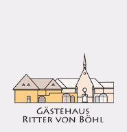 """Deidesheim - Genießen Sie schöne Tage im besonderen Ambiente des historischen Anwesens """"Ritter von Böhl"""" im romantischen Ortskern von Deidesheim ruhig aber doch zentral gelegen, ist unser Haus ein idealer Ausgangspunkt für Ihre Unternehmungen.  Unser Gästehaus ist ein Nichtraucherhaus, klassifiziert mit 3 Sternen und verfügt über barrierefreie, komfortabel eingerichtete Einzel-, Doppel- und Mehrbettzimmer in gehobener Ausstattung."""