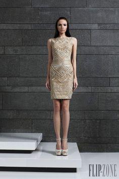 Tony Ward Outono-Inverno 2014-2015 - Prêt-à-porter - http://pt.flip-zone.com/fashion/ready-to-wear/fashion-houses-42/tony-ward-4639