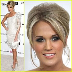 Carrie Underwood: beautiful hair. I want to do a brunett version