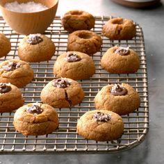 Flourless Peanut Butter Thumbprints Nutella Recipes, Cookie Recipes, Dessert Recipes, Candy Recipes, Dessert Ideas, Desserts To Make, Gluten Free Desserts, Best Thumbprint Cookies, Flourless Peanut Butter Cookies