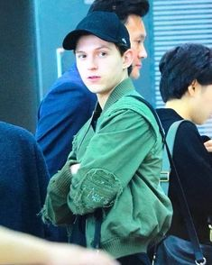 Tom at the airport leaving South Korea