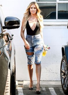 Khloe Kardashian wore two extremely daring bodysuits and distressed jean shorts while out and about in Van Nuys, California, on July 21 — see the pics! Style Outfits, Short Outfits, Summer Outfits, Cute Outfits, Bermuda Shorts Outfit, Denim Shorts Outfit, Jean Shorts, Khloe Kardashian Style, Estilo Kardashian