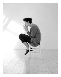 Douglas Neitzke, Callum Turner and Gabriel Gronvik photographed by Rama. Men Photography, Portrait Photography, Fashion Photography, Human Reference, Photo Reference, Foto Fashion, Body Poses, Foto Pose, Male Poses