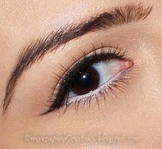 This look is so fresh and pretty....prefect for when you don't want to look too done up