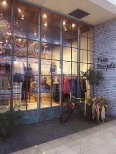 Spring is in the air - Check out our new store displays http://blog.freepeople.com/2012/01/spring-store-displays/