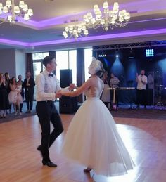 Best First Wedding Dance Songs and Dance Styles! Have you chosen your favourite First Dance Song yet but don't know what style of dance goes with it?   #perthweddings #weddingdancelessons #gettingmarried #firstdancesongs #weddingdancesongs