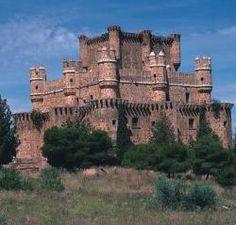 Resultados de la Búsqueda de imágenes de Google de http://archivos.turismocastillalamancha.com/patrimonio/arquitectura-civil/2285/39/cdb8/castillo-de-guadamur.jpg