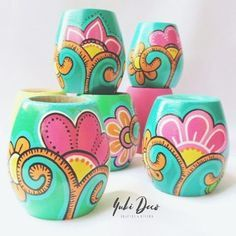 Images about #yukideco tag on instagram Painted Plant Pots, Painted Flower Pots, Bottle Painting, Bottle Art, Diy Crafts Hacks, Diy Crafts To Sell, Flower Pot Art, Pottery Painting Designs, Ceramic Flower Pots