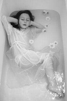 """Tub♡Time ~ """"This little girl look remarkably like me. I also used to do this in the bathtub. Little Girl Dresses, Flower Girl Dresses, Water Nymphs, Underwater Photography, Black And White Photography, One Shoulder Wedding Dress, Kids Fashion, Photoshoot, Actresses"""
