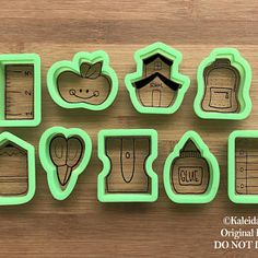 Printed / Hand-Illustrated Cookie Cutters by KaleidaCuts Cracker Cookies, Mini Cookies, Royal Icing Cookies, Sugar Cookies, Meringue Cookies, Best Butter Cookie Recipe, Frosted Animal Crackers, Thanks Teacher, Graduation Cookies