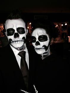 Skeleton Halloween make-up for couples – Halloween Costumes Costume Halloween, Halloween Skeleton Makeup, Couples Halloween, Halloween Looks, Halloween Outfits, Halloween Stuff, Men Skeleton Makeup, Costumes For Couples, Skeleton Costumes