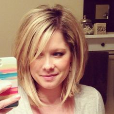50 Medium Bob Hairstyles for Women Over 40 in 2019 Bob hairstyles are always cute but there are too many choices. If you want to change your look or if you want to change your vest completely there is . Wedding Hairstyles - June 08 2019 at Medium Short Haircuts, Medium Hair Cuts, Medium Hair Styles, Short Hair Styles, Medium Bobs, Layered Bob Hairstyles, Short Hairstyles For Women, Hairstyles Haircuts, Wedding Hairstyles