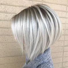 Platinum Blonde Hair Shades Ideas for Short Bob Hairstyles 2018 - Hair Styles Blonde Grise, Bob Hairstyles 2018, Blonde Bob Hairstyles, Hairstyles Pictures, Inverted Bob Hairstyles, Summer Hairstyles, Short Blonde Haircuts, Layered Haircuts, Blonde Short Hair Cuts