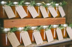 Gifts for wedding guests - homemade jam or chutney