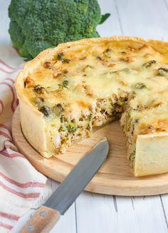 Quiche lorraine with chicken, mushrooms and broccoli Low Fat Breakfast, Breakfast Quiche, Breakfast Pastries, Breakfast Dishes, Best Breakfast, Breakfast Ideas, Mushroom Tart, Mushroom Quiche, Quiches