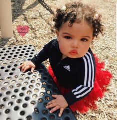 Cute Little Baby, Pretty Baby, Cute Babies, Baby Kids, Funny Babies, Cute Family, Baby Family, Family Goals, Black Baby Girls
