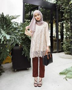 Modest Fashion Hijab, Casual Hijab Outfit, Fashion Outfits, Ootd Hijab, Islamic Fashion, Muslim Fashion, Dress Brokat Muslim, Kebaya Simple, Dress Batik Kombinasi