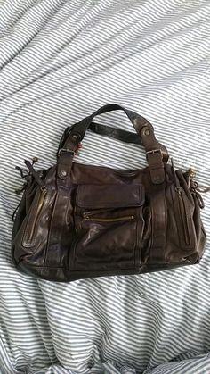76a2fd0e24 Gérard Darel - Sac 24h avec de multiples poches - Un sac dont je me sépare