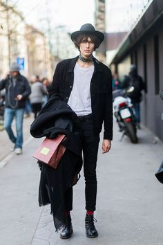 Is There Such A Thing As Male Model-Off-Duty Style? #refinery29 http://www.refinery29.com/male-model-style#slide-6 See? Bros wear chokers, too....