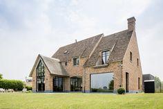 Bungalow Extensions, House Extensions, Modern Brick House, Village House Design, Cottage Farmhouse, Dream House Exterior, New House Plans, House Goals, Exterior Design