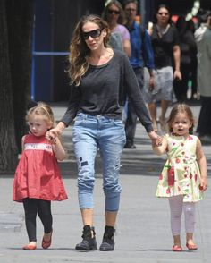 Sarah Jessica Parker Capri Jeans - Sarah Jessica Parker looked totally stylish…