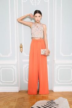 Alice + Olivia nailed the Tangerine trend this season. If you're feeling gregarious this spring, we highly recommend working this hue into your wardrobe. #AliceAndOlivia #SpringTrends