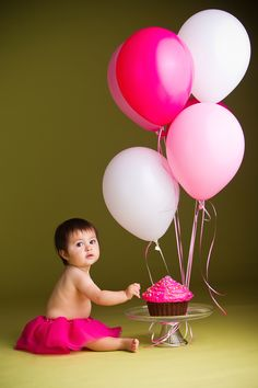 Love first birthday sessions... so excited to be planning one!