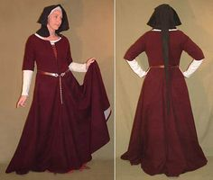 Idea with the elbow length sleeves and the partial neck closure! The flemish hood works nicely with this.  LIKE!