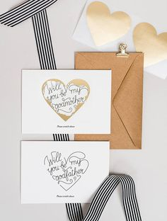 This 'Will you be my godmother?'/'Will you be my godfather?' 3 Eggs Design scratch-off card provides a wonderful opportunity to ask an important question in a refined but also creative way. Made with a beautiful golden heart that hides the elegantly written message underneath, the