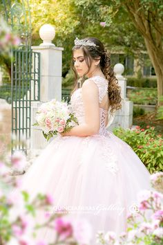 Wealthy activated quinceanera ideas Start now. Quince Dresses, 15 Dresses, Fashion Dresses, Flower Girl Dresses, Wedding Dresses, Debut Photoshoot, Photoshoot Ideas, Burgundy Quinceanera Dresses, Quince Pictures