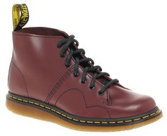 Not just one classic boot, these Dr Martens Phillip Monkey Boots are a hybrid of two.Obviously it's a monkey boot, once common streetwear, but Dr Martens Men, Doc Martens, Mod Fashion, Latest Fashion Clothes, Skinhead Clothing, Shoe Boots, Shoe Bag, Vintage Outfits, Vintage Clothing
