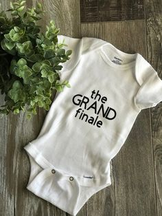 Baby Announcing Ideas Discover Baby onesie last baby last baby onesie the grand finale baby announcement pregnancy announcement Third Baby Announcements, Pregnancy Announcement To Husband, Baby Onesie Announcement, Its A Girl Announcement, Baby Boys, 3rd Baby, Carters Baby, Elizabeth Gilbert, Pregnancy Humor