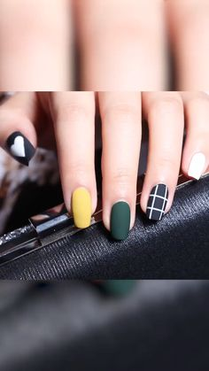 These Nail designs have clean, classy, minimalist style that you absolutely adore. These desaturated palettes are to deserve for. Dope Nail Designs, Girls Nail Designs, Nail Art Designs Videos, Beautiful Nail Designs, Acrylic Nail Designs, Pink Nail Art, Pink Nails, Stylish Nails, Trendy Nails