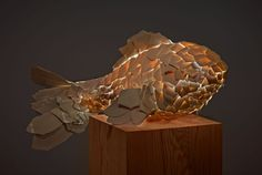 In early the Gagosian Gallery in Los Angeles featured an installation of fish lamps created by world renown architect and designer Frank Gehry. Fish Lamp, Gagosian Gallery, Polygon Art, Fish Sculpture, Balloon Dog, Frank Gehry, Grid Design, Beautiful Architecture, Lamp Design